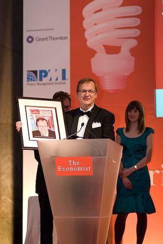 Matti Makkonen receiving award